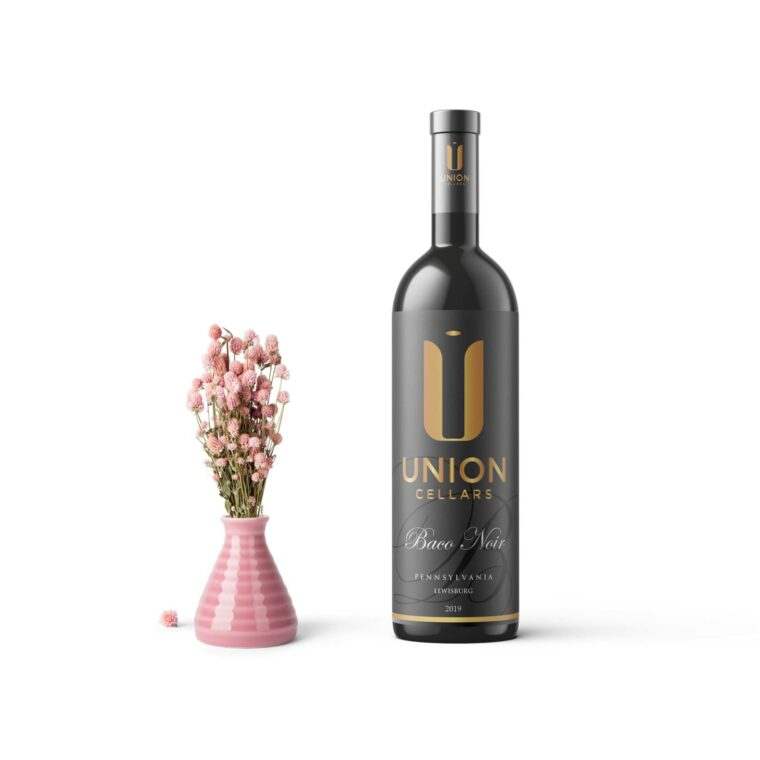 Union Wine Bottle Label Mockup